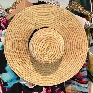 Accessories - Large floppy gold lurex metallic sun hat